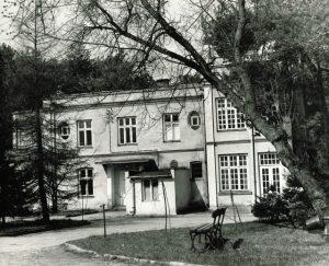Nieistniejąca już willa 'Rysinek' przy ulicy Prusa 6. Jeden z budynków ówczesnego Szpitala MSW.